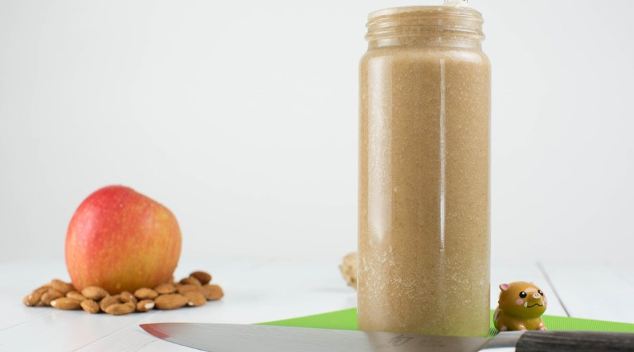 Medical Medium's Apple Pie Smoothie